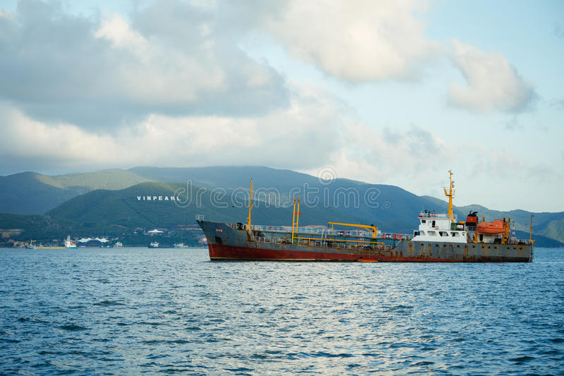 Cargo en mer chinoise du sud photo stock