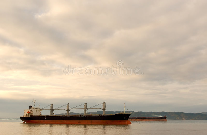 Download Cargo Ships, Columbia River Stock Image - Image: 508065