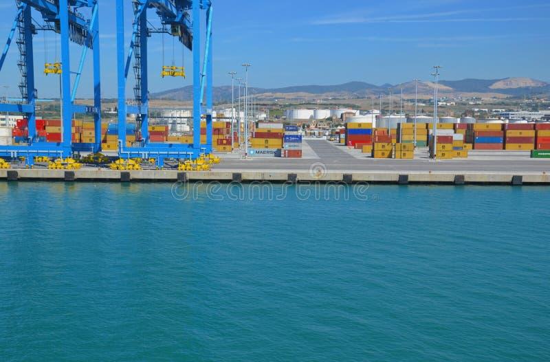 Cargo y industria naval en Italia fotos de archivo