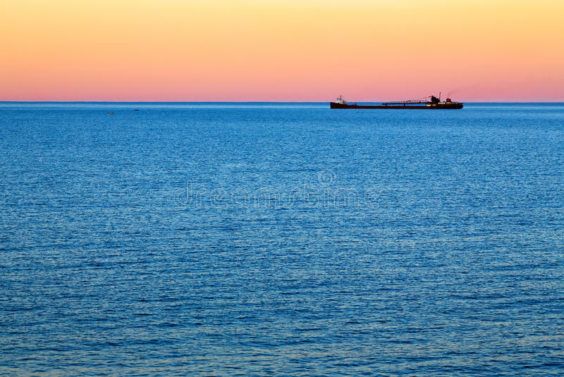 Carguero de Great Lakes en la oscuridad imagen de archivo