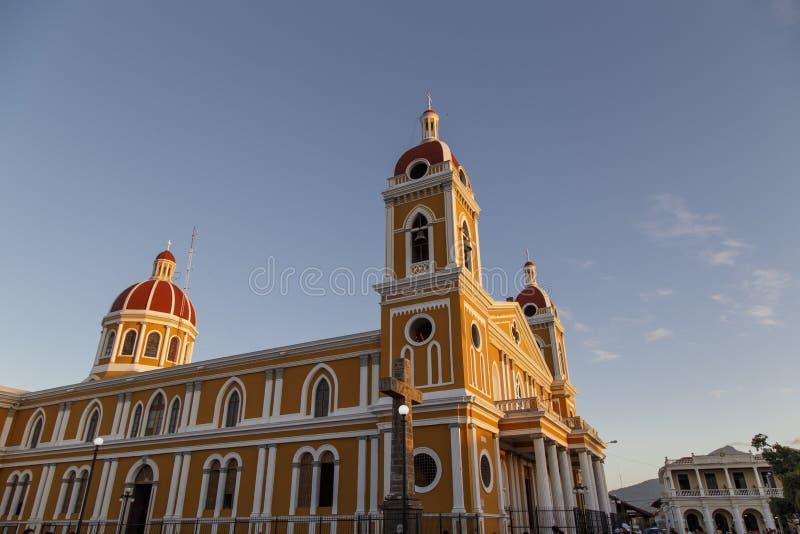 Carhedral van Granada bekijkt in openlucht, Nicaragua stock fotografie