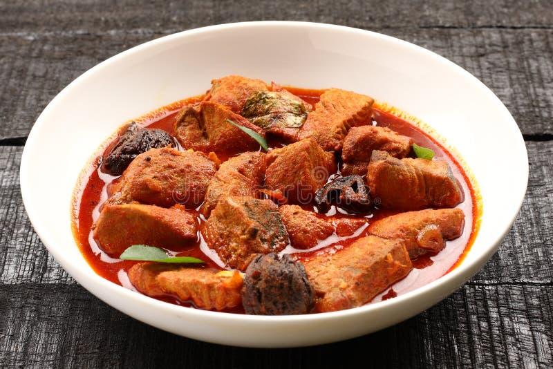 Cari délicieux et épicé de poissons de roi image stock