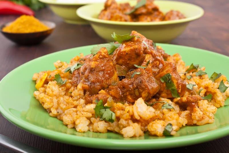 Cari de poulet de Madras avec du riz photo libre de droits