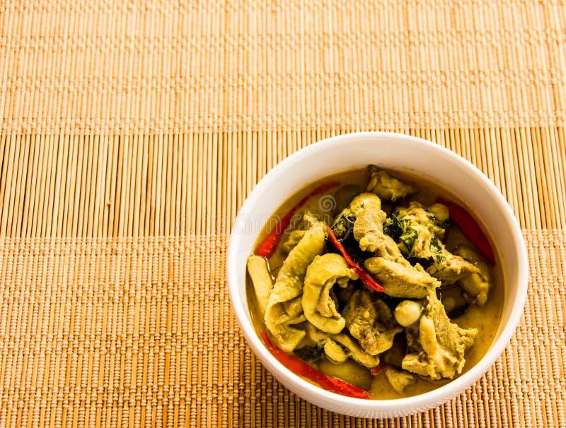 Cari vert avec le poulet, nourriture thaïlandaise images stock