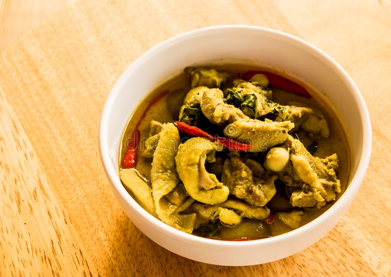 Cari vert avec le poulet, nourriture thaïlandaise image stock
