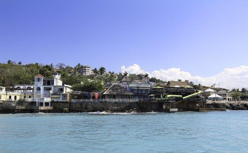 Caribean海和山看法在蒙特哥贝牙买加 免版税图库摄影