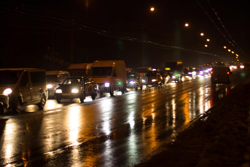 Caricato con le automobili dalla strada di città immagini stock libere da diritti