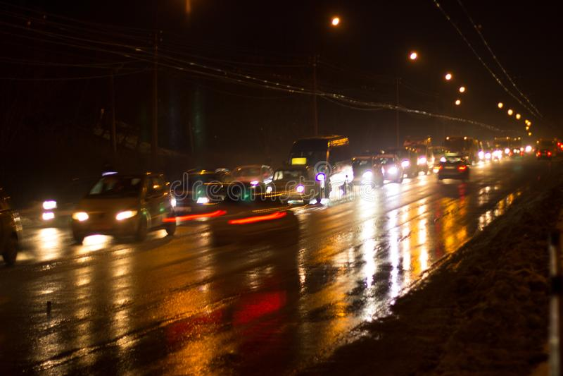 Caricato con le automobili dalla strada di città fotografia stock libera da diritti