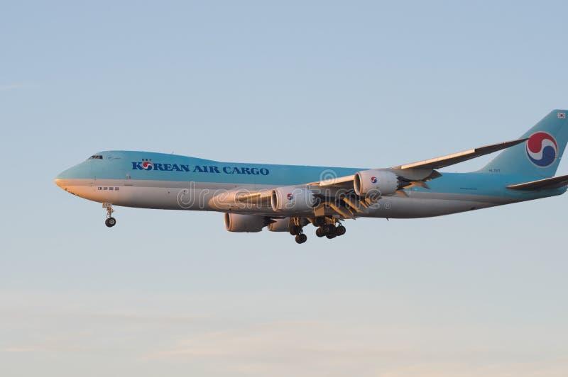 Carico Boeing di Korean Air 747 8F fotografia stock