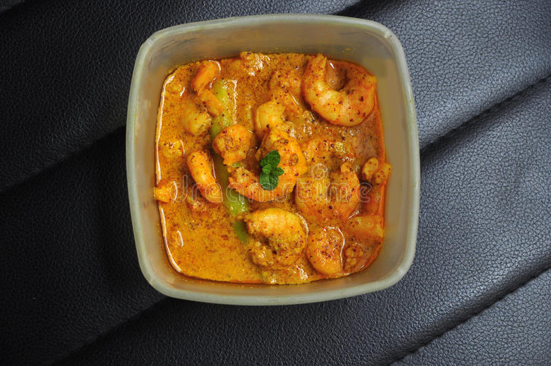 Caril caseiro do camarão da mostarda, prato bengali fotos de stock