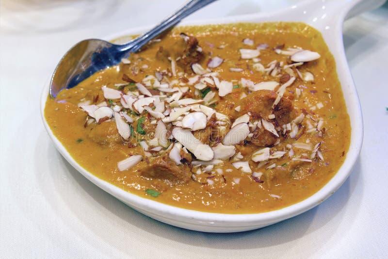 Caril de Korma do cordeiro do alimento do indiano do leste fotografia de stock royalty free
