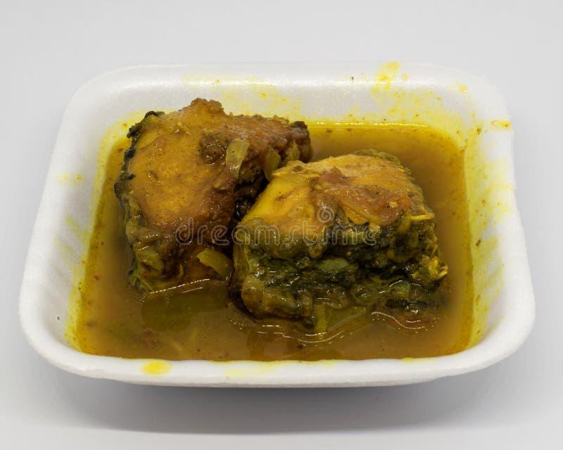 Caril dos peixes de Catla do alimento do bengali ou Katla Macher Jhol imagem de stock