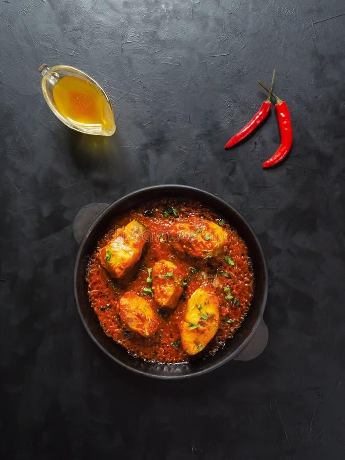 Caril dos peixes do bengali de Kerala Prato popular em litoral indiano imagem de stock