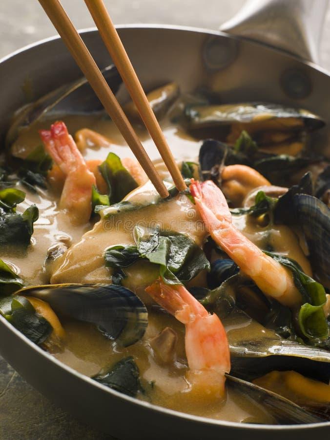Caril japonês do marisco e da alga de Wakame foto de stock royalty free