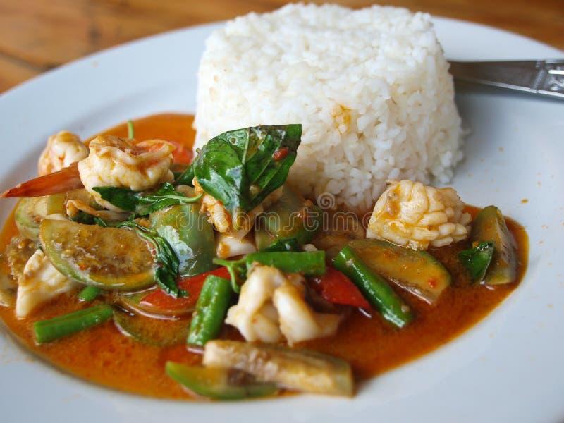 Caril tailandês do marisco fotos de stock