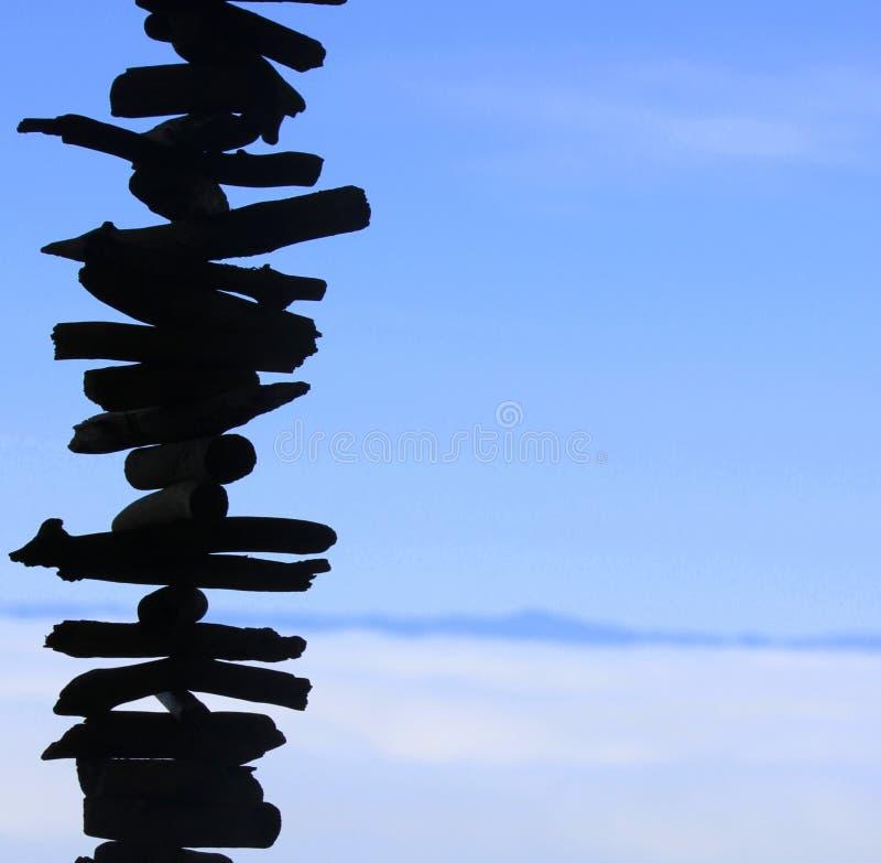 Carillón de viento de madera imagen de archivo libre de regalías