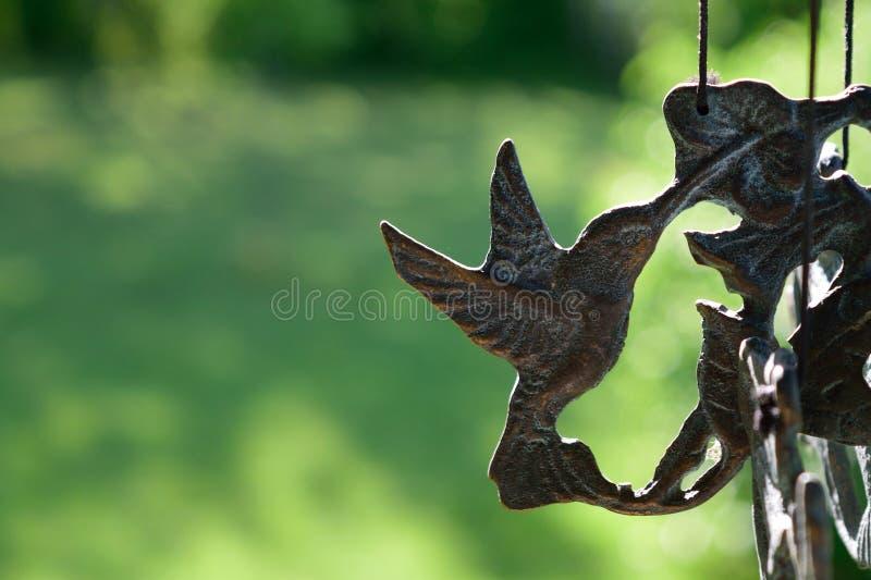 Carillón de viento del colibrí fotografía de archivo