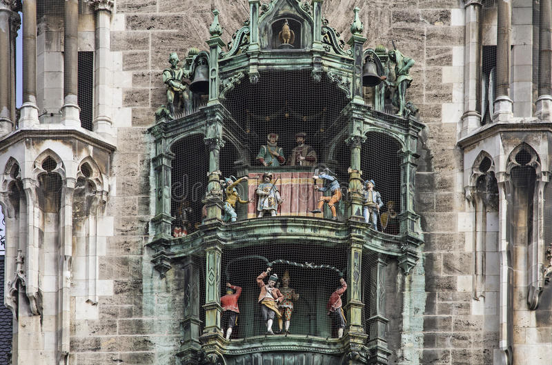 Carillón en ayuntamiento Munich imagen de archivo