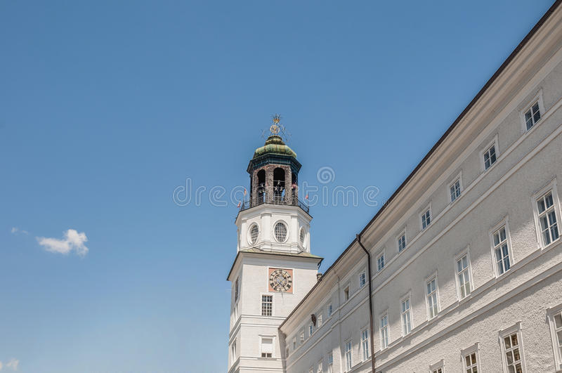 Carillion (Glockenspiel) som lokaliseras på Salzburg, Österrike arkivbilder