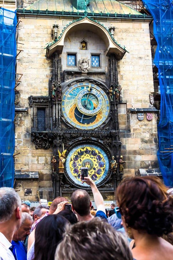 Carillon di Praga La torre di orologio medievale fotografie stock