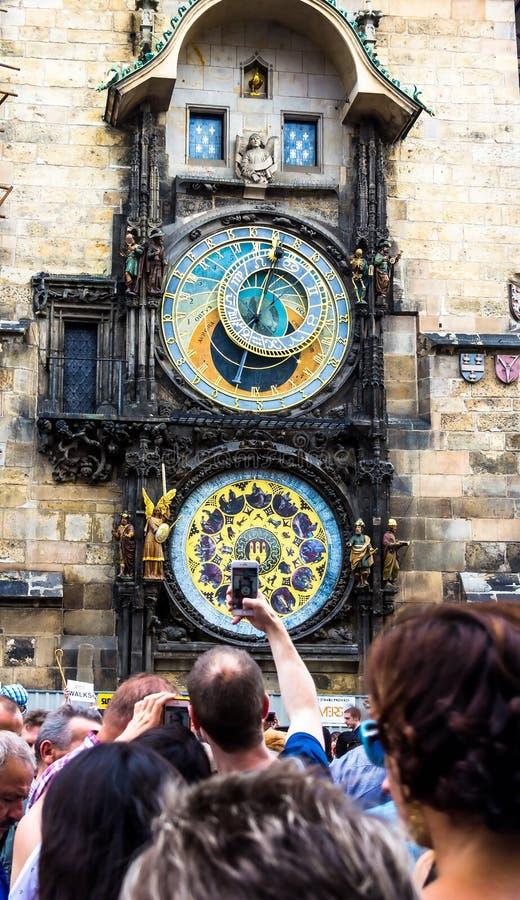 Carillon di Praga La torre di orologio medievale immagine stock