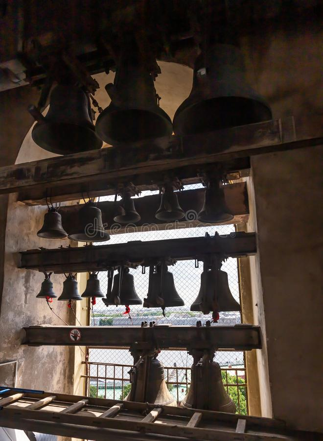 Carillon habilement assemblé sur la tour de cloche de Peter et de Paul Cathedral St Petersburg Russie photos stock