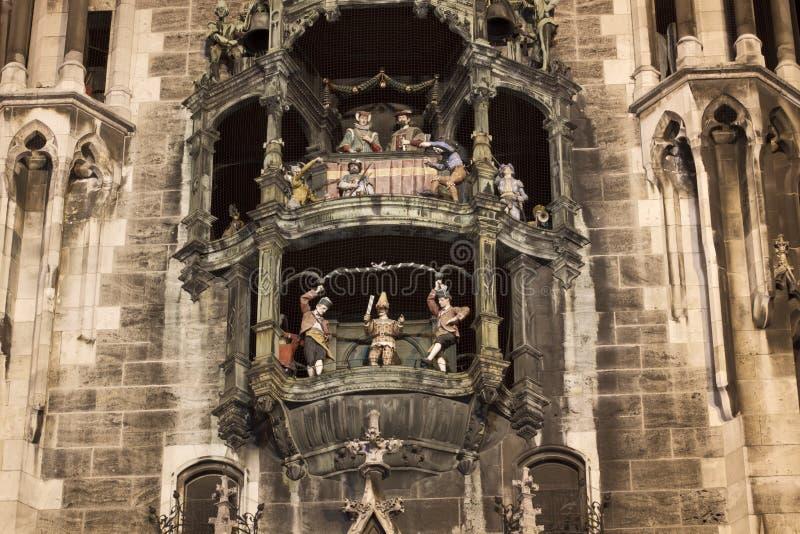 Carillon sul nuovo corridoio di città di Monaco di Baviera fotografia stock