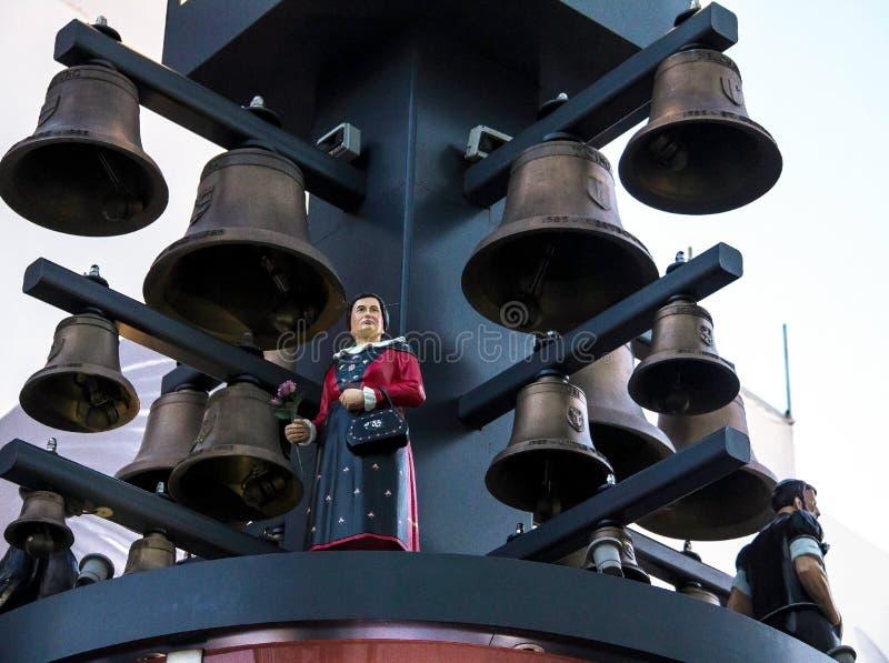Carillon svizzero al quadrato di Leicester a Londra Era un regalo dalla Svizzera per il loro 400th compleanno a causa dell'amiciz fotografia stock libera da diritti