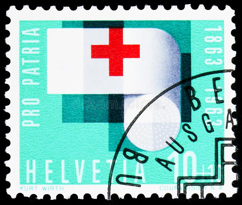 Carimbo impresso na Suíça mostra Bandage com cruz vermelha, 10+10 Ct - Cientime suíço, Pro Patria serie, cerca de 1963 fotos de stock