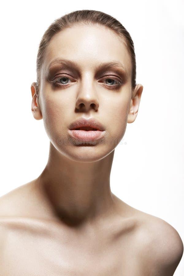 Carisma. Caráter. Retrato da mulher excelente nova. Sensualidade fotos de stock