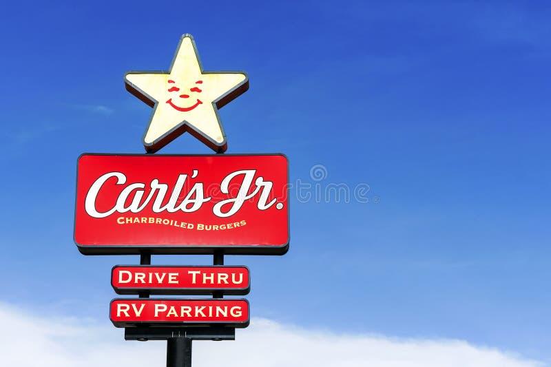 Carl`s Jr Logo sieci restauracji w Stanach Zjednoczonych fotografia stock