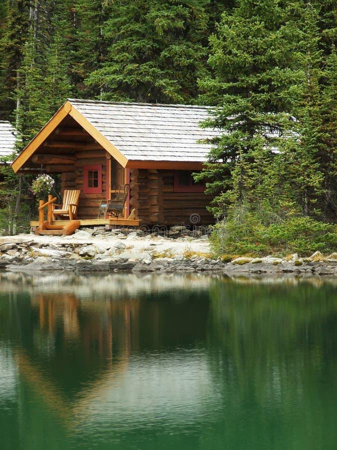 Carlingue en bois au lac O'Hara, Yoho National Park, Canada photo stock