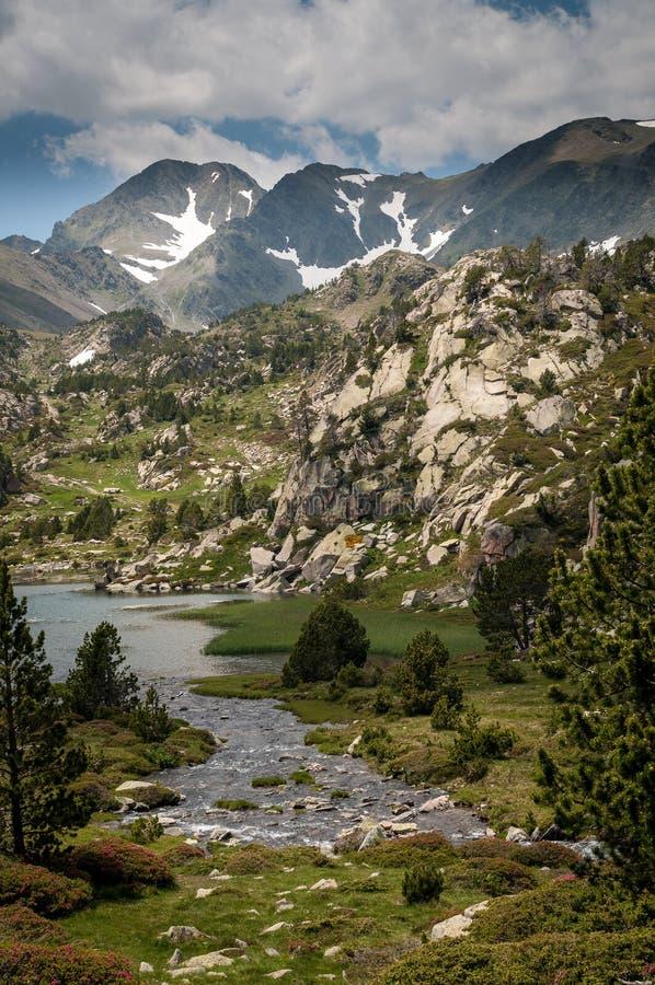 Carlit-Berg und Seen, Les Bouillouses, Frankreich lizenzfreie stockfotografie