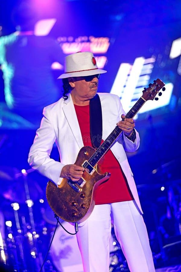 Carlos Santana turnerar på - ljusstyrka turnerar 2016 arkivfoto