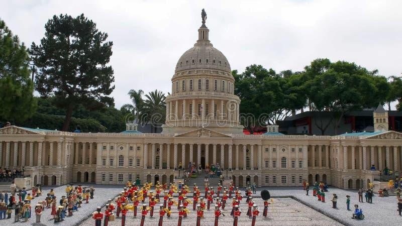 CARLSBAD, ΚΑΛΙΦΟΡΝΙΑ, ΗΠΑ - 24 ΑΥΓΟΎΣΤΟΥ 2015: πρότυπο lego εμείς κτήριο capitol στο legoland Καλιφόρνια στοκ φωτογραφία με δικαίωμα ελεύθερης χρήσης