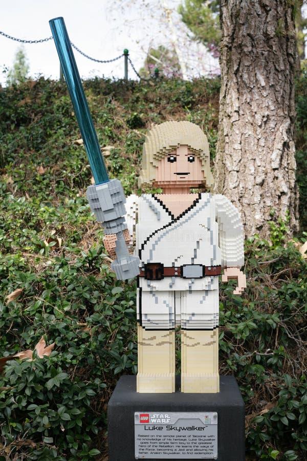 CARLSBAD, E.U., O 6 DE FEVEREIRO: Star Wars Luke Skywalker Minifigure fez wi foto de stock royalty free