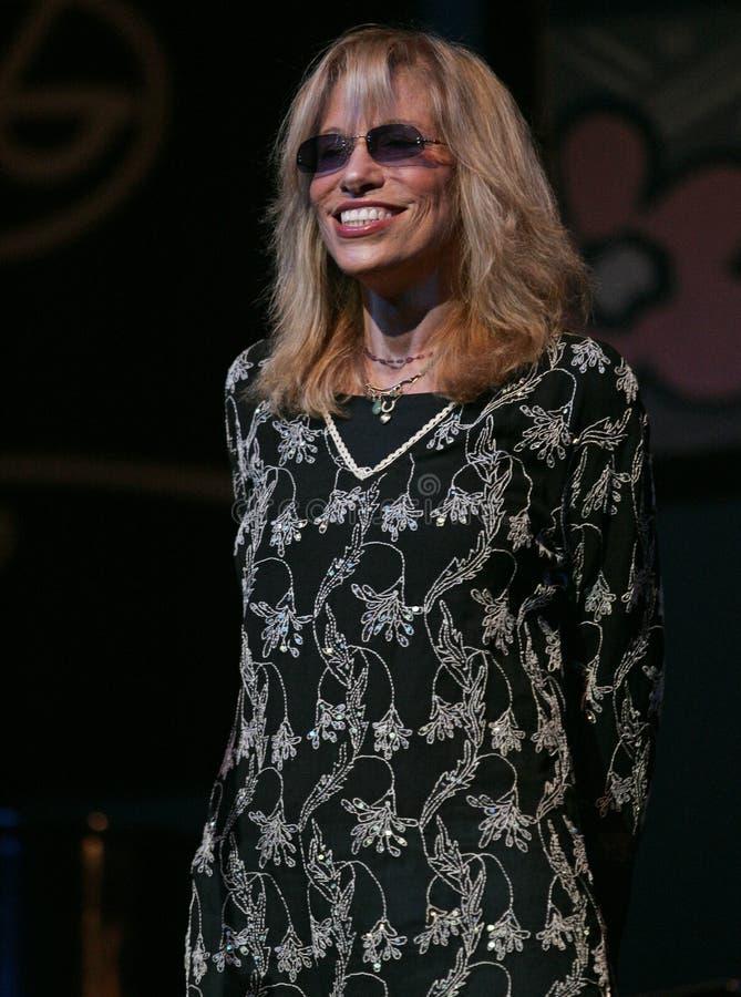 Carly Simon utför i konsert arkivfoto