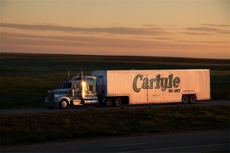 Carlyle Van Lines Sunset fotos de archivo