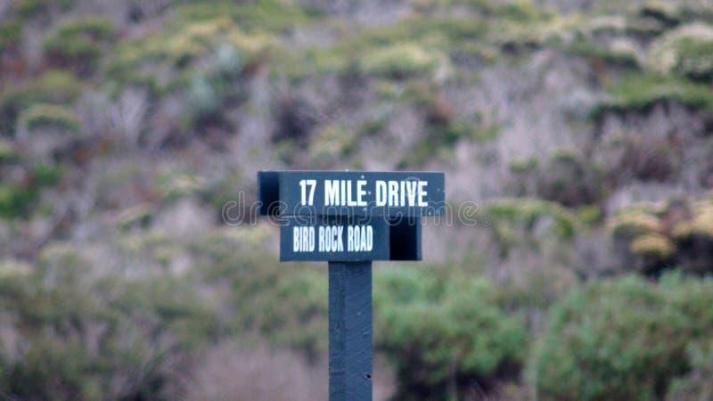 CARMEL,加利福尼亚,美国- 2014年10月6日:17英里推进风景驱动签到帕西菲克格罗夫 图库摄影