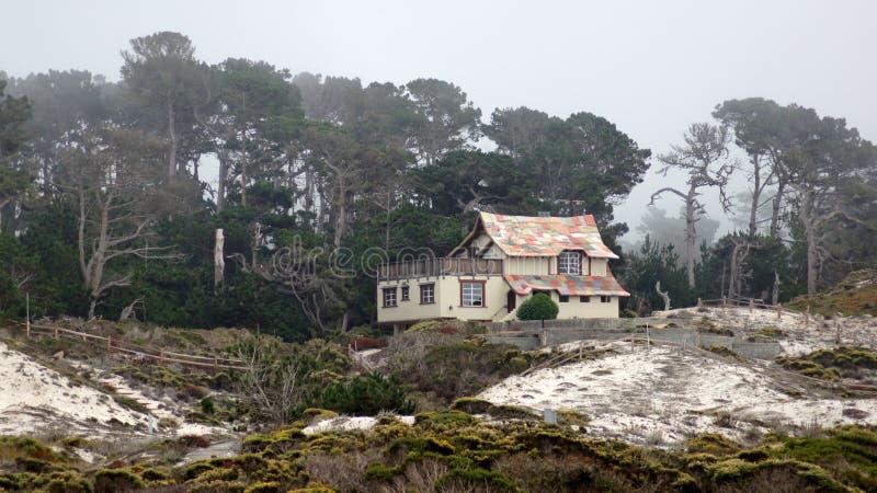 CARMEL,加利福尼亚,美国- 2014年10月6日:Pebble海滩高尔夫球场的美丽的房子,是一部分的 免版税库存图片