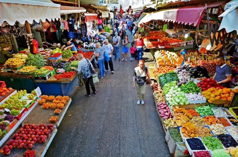 Carmel Market Shuk HaCarmel i Tel Aviv - Israel royaltyfria foton