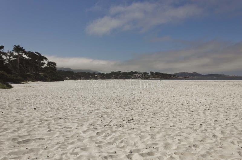 Carmel par la plage de mer en Californie images libres de droits