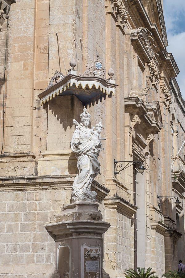 Carmelite kyrka i Mdina, Malta royaltyfria foton