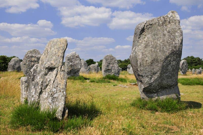 carnacfrance plattform stenar royaltyfri bild