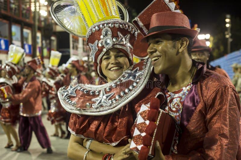 Download Carnaval 2014 redactionele fotografie. Afbeelding bestaande uit mooi - 39103042
