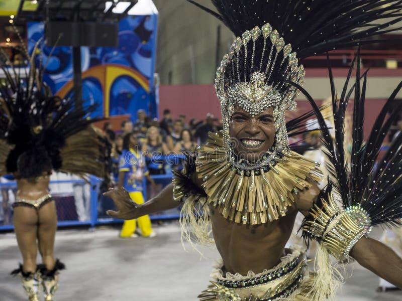 Download Carnaval 2014 redactionele foto. Afbeelding bestaande uit dans - 39103456