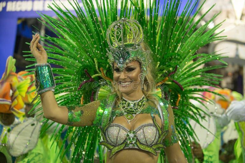 Download Carnaval 2014 redactionele foto. Afbeelding bestaande uit sexy - 39103601