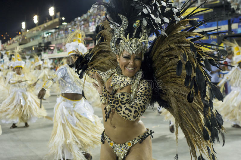 Download Carnaval 2014 redactionele fotografie. Afbeelding bestaande uit exotisch - 39103667