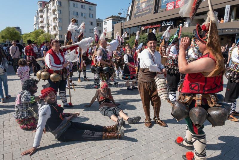 Carnaval anual de la primavera, Varna, Bulgaria foto de archivo