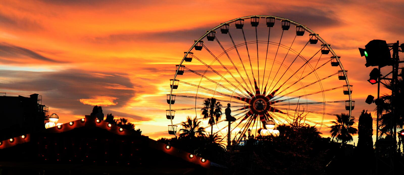 Carnaval au crépuscule images libres de droits